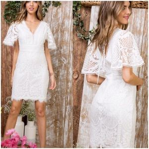 Dresses & Skirts - 🛍🎉🆕White Lace fitted Dress